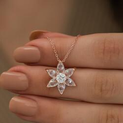 Gümüş Beyaz Çiçek Kolye - Thumbnail