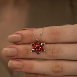 Gümüş Kırmızı Çiçek Kolye - Thumbnail