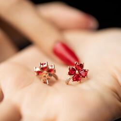 Gumush - Gümüş Kırmızı Kalpli Yonca Bayan Küpe (1)