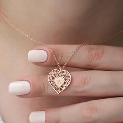 Gümüş Kişiye Özel Kalbin İçinde Kalp Bayan Kolye - Thumbnail