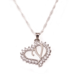 Gumush - Gümüş V Harfi Kalpli Bayan Kolye